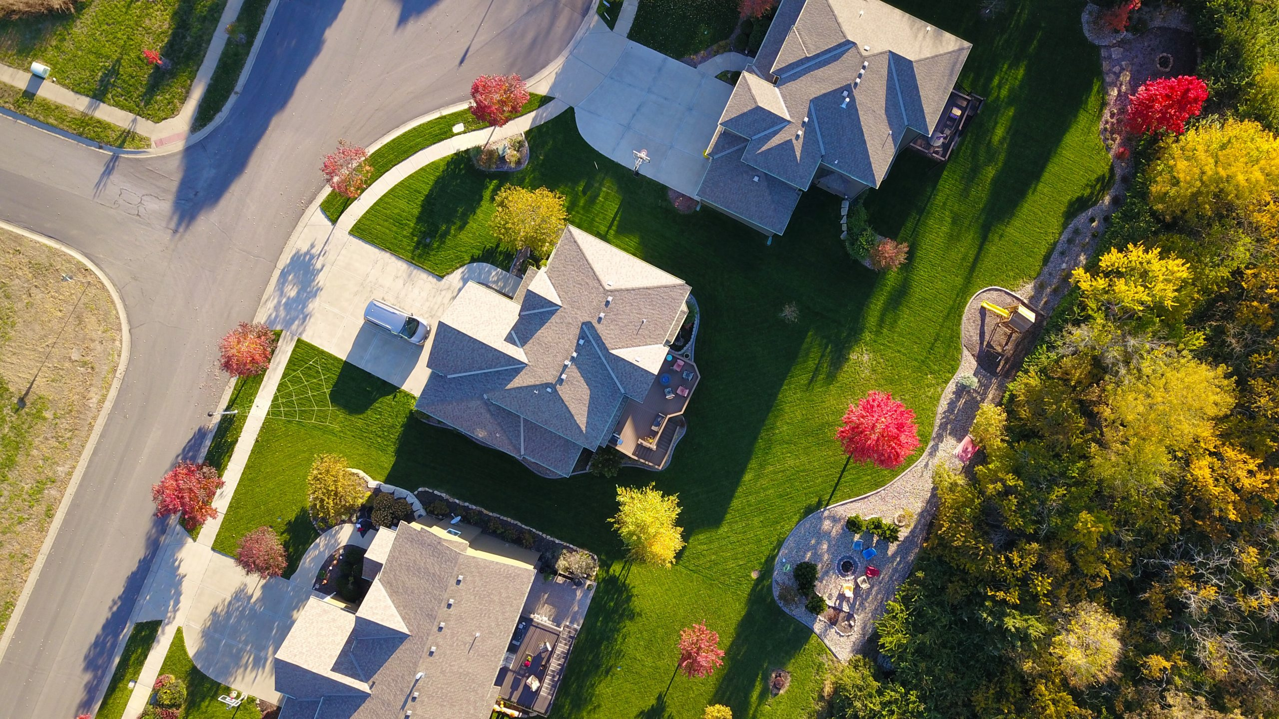 best local lawn care company in Monroe mowing the lawn